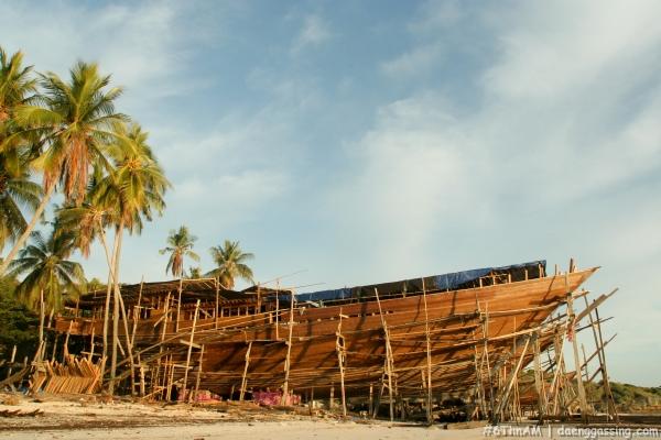 kapal pesiar kayu