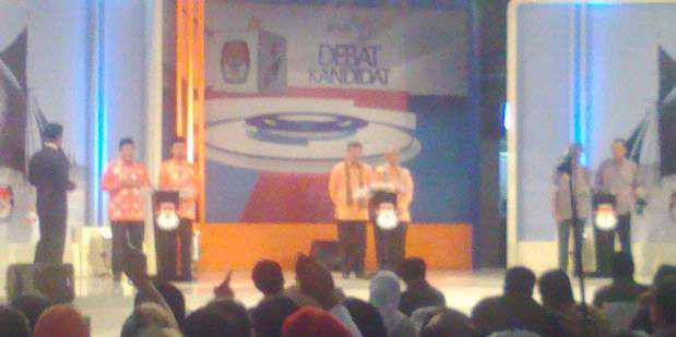 Debat Kandidat (foto: Kompas)