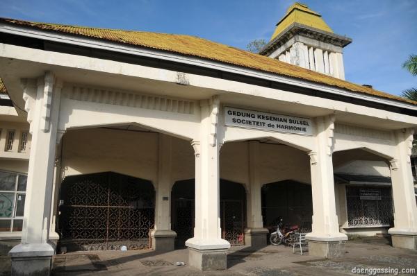 Salah satu bangunan tua yang tersisa di Makassar