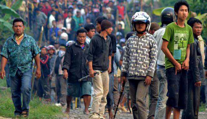 Kerusuhan Poso (foto: Vivanews)