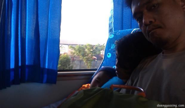 Akhirnya terkapar di bus [15:49 WITA]