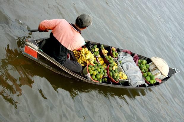 Floating Market, karya; Abadullah (Dji Sam Soe Potret Mahakarya Indonesia)