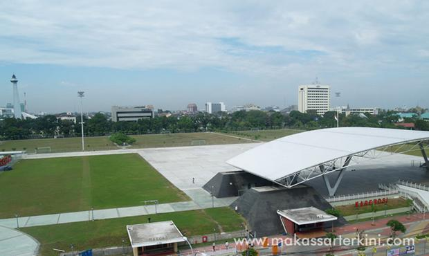 Karebosi yang sudah diprivatisasi (foto: Makassar Terkini)
