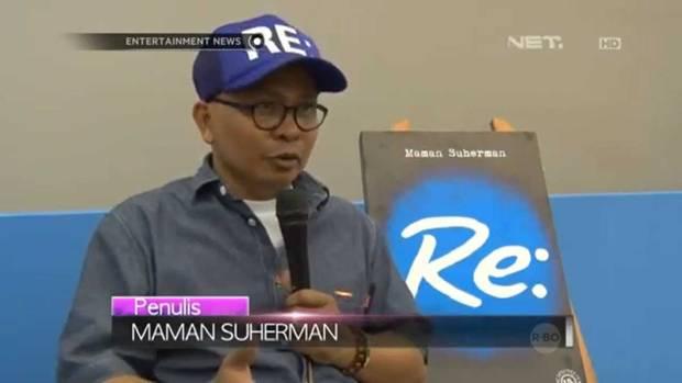 Maman Suherman dan buku Re: (sumber: Net TV)