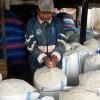 Daeng Situju dan garam hasil panennya