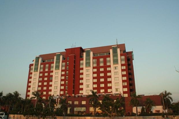 Sebuah hotel di Makassar