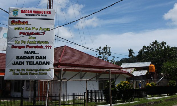 Pesan seperti ini banyak bertebaran di Papua