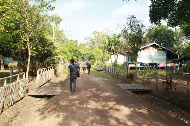 Suasana kampung Rawa Biru
