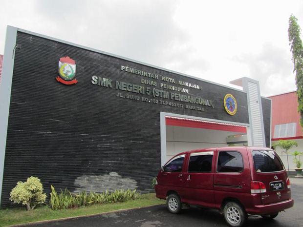 Bagian depan STM Pembangunan (sekarang SMK 5)