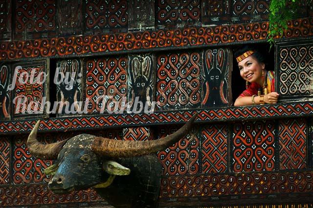 Cantiknya (gadis) Toraja, foto oleh Rahmat Takbir