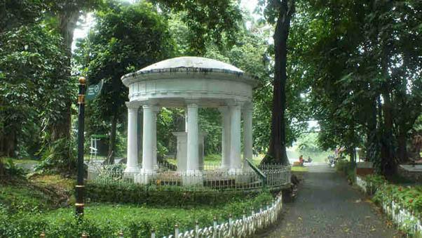 Monumen Lady Raffles (sumber : lovelybogor.com)