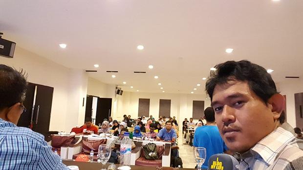 Tampil sebagai pembicara di event Roadblog 10 Cities.