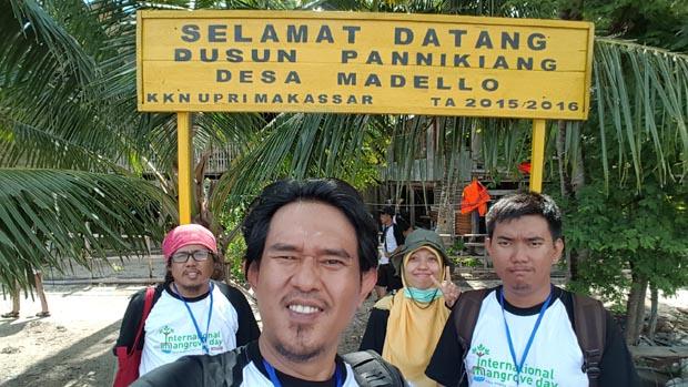 Ayah bersama teman-teman blogger Makassar