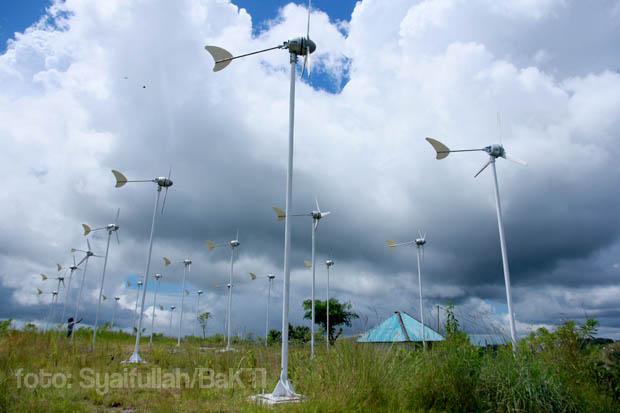 Kincir Angin di PLTSAM Kamanggih