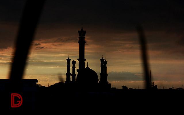 Lombok; 1000 Masjid dan Cerita-Cerita di Baliknya